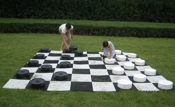 giant chess set,garden chess set,outdoor chess set,lawn chess set,big chess set,giant checkers ...